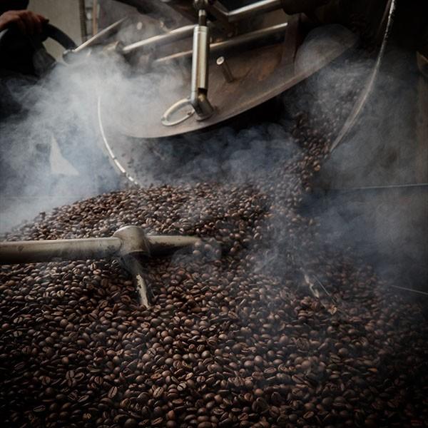 Lavorare il caffè-Antica Torrefazione Idealcaffè Stagnitta